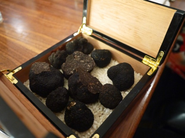 black-truffle-sika-chefs-table