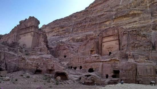 petra travel blog tombs.