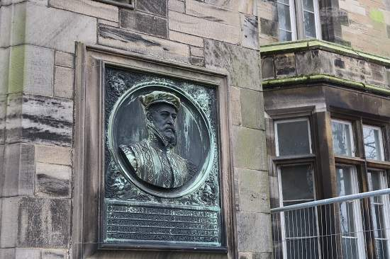 linlithgow history tour james stuart plaque.