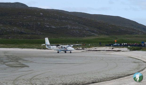 traigh mhor beach landing visit barra