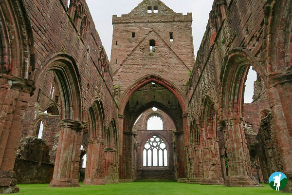 interior sweetheart abbey dumfries and galloway