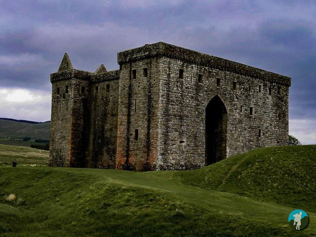 hermitage castle scotland photo blog