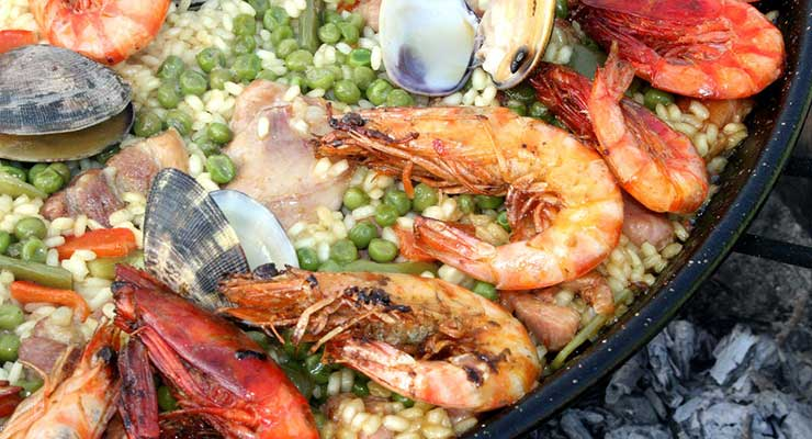 Top Food Destinations In The World Spain Paella 740x400