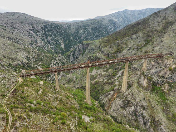 Höchste Eisenbahnbrücke in Europa in Montenegro