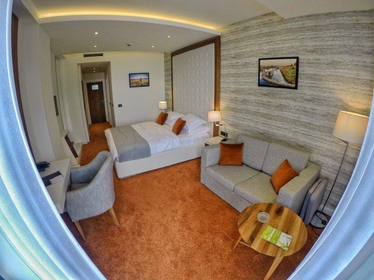 Standard Doppelzimmer im Hotel Kalamper in Montenegro