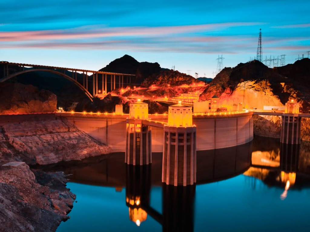 Hoover Dam Travel Guide