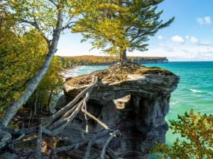 Chapel Rock & Beach | Pictured Rocks