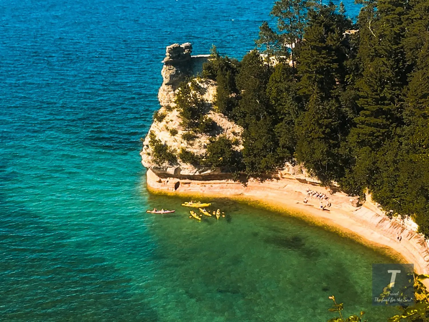 Pictured Rocks National Lakeshore Travel Guide