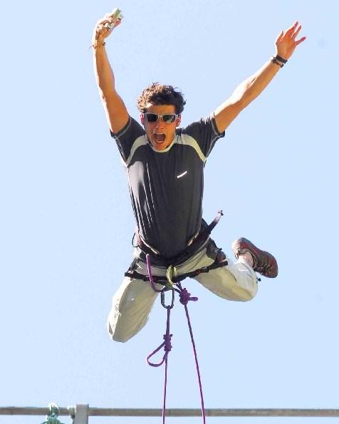 bungee jumping pyrenees