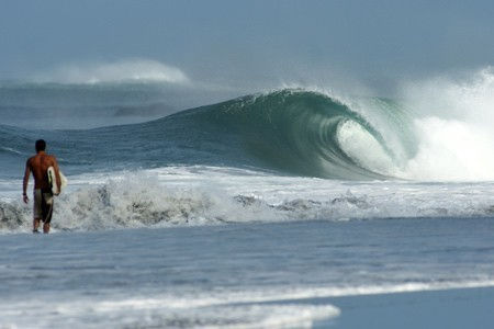 Playa Negra surfing