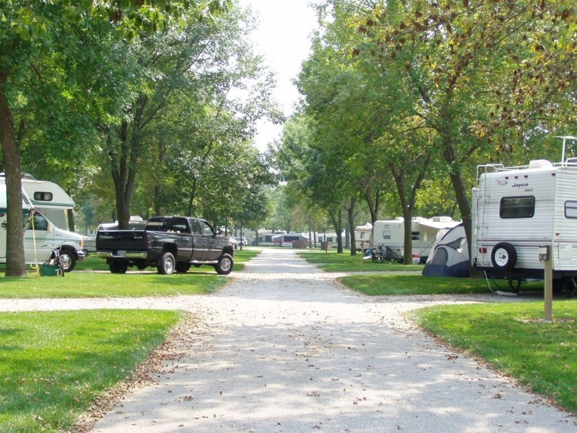 Scott County Park camping