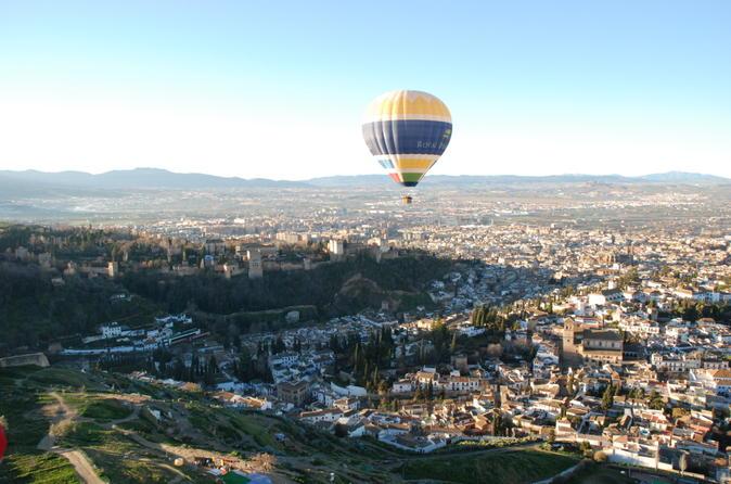 Hot Air Balloon Ride Over The Aranjuez Palace