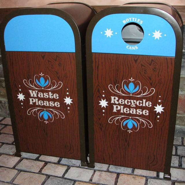 Throwback to these beautiful Frozen inspired trash cans at Olafshellip