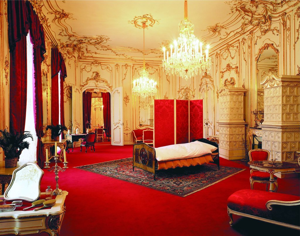 Sisi's bedroom in the Imperial Palace Vienna. © SKB Foto Knack