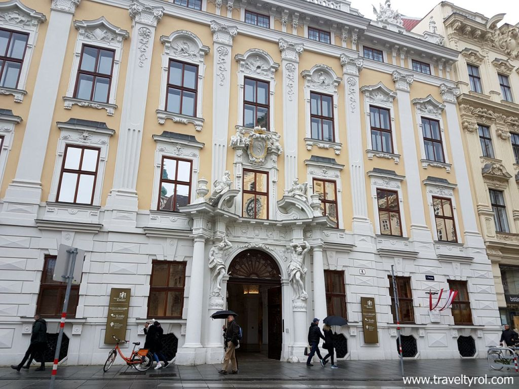 Palais Kinsky, one of the most glamorous small Viennese Palaces. © Travel Tyrol