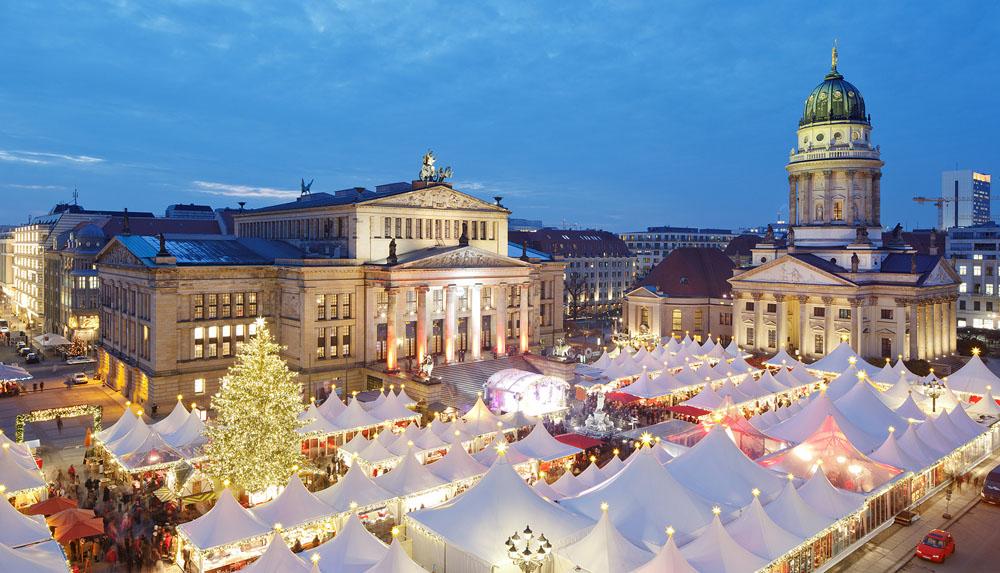 WeihnactsZauber on the Gendarmenmarkt in Berlin © Gendarmenmarkt - Michael Setzandt