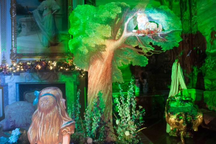Gallery: Alice in the Palace