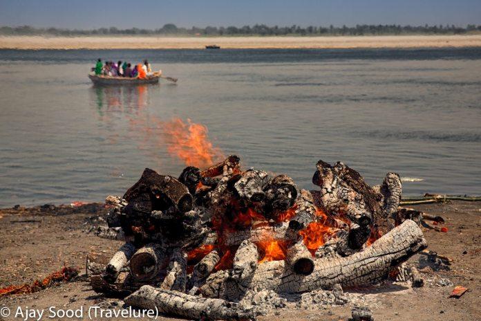 Varanasi - Of Sarees, Ghats and Gharanas