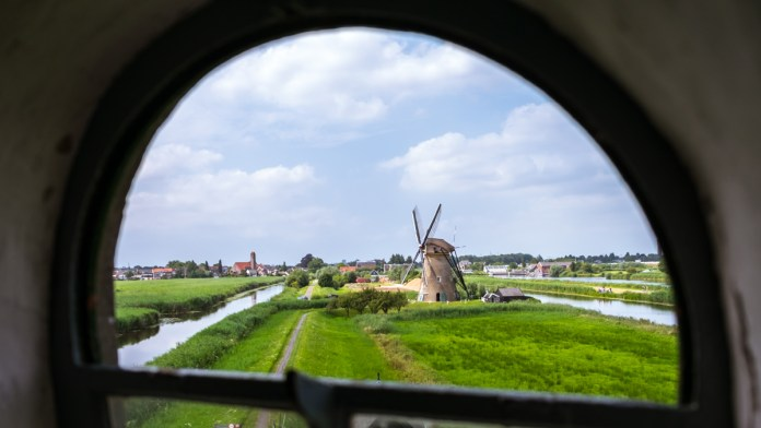 A glimpse of the other Windmills of Kinderdijk from the living quarters