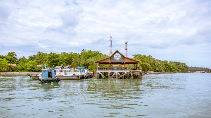 Arriving at Pulau Ubin - Back to the Roots - Last Kampung of Singapore