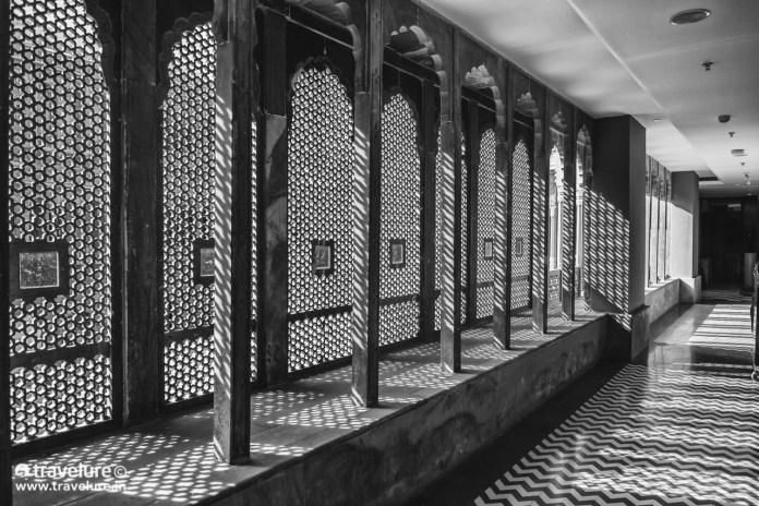Elaborate jaali covering a corridor from harsh sun at Narendra Bhawan Bikaner – An Ideal Haveli