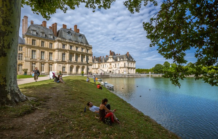 Palace and Park of Fontainebleau, France - Travelure ©
