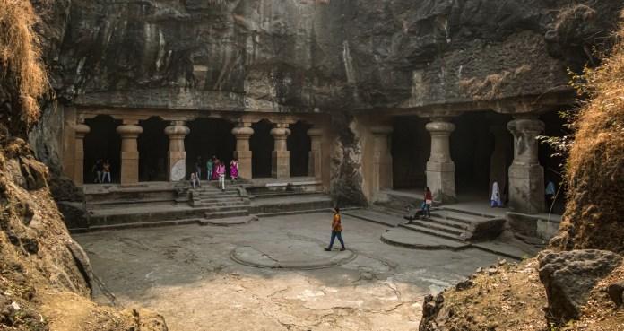 Elephanta Caves - Mumbai's First UNESCO Site - Travelure ©