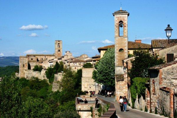 Colle Val d Elsa Tuscany Italy Visititalyinfo