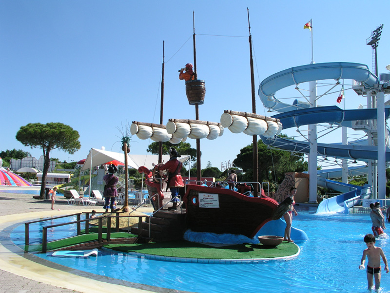 Aquasplash waterpark pirate ship  Visititalyinfo