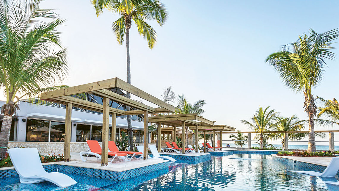The pool at the Vivo Beach Club, a popular shore excursion in San Juan's Isla Verde neighborhood.