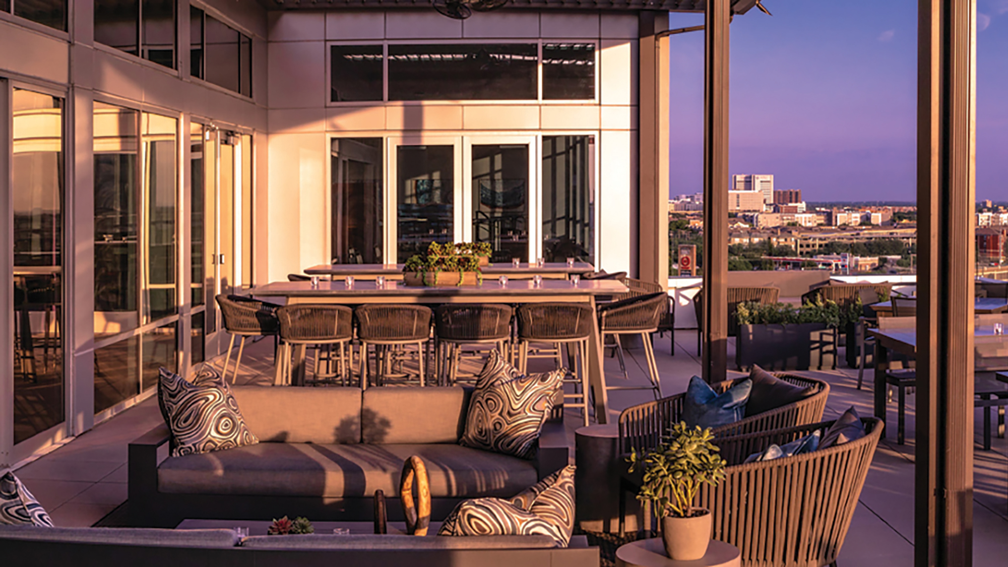 the rooftop lounge at the canopy by hilton dallas uptown
