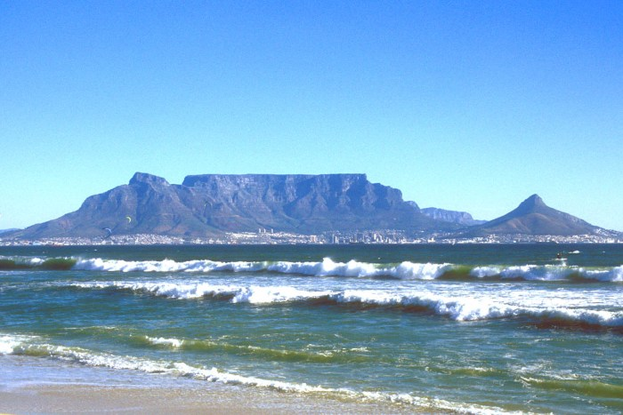 table-mountain-cape-town-travel-wide-flights