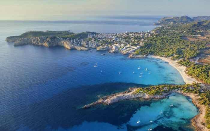 Majorca travel wide flights