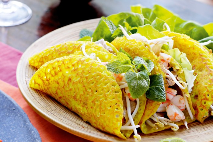 banh xeo crispy pancakes Vietnam Cuisine, cheap flights to vietnam, direct flights to vietnam, vietnam cuisine, vietnamese cuisine