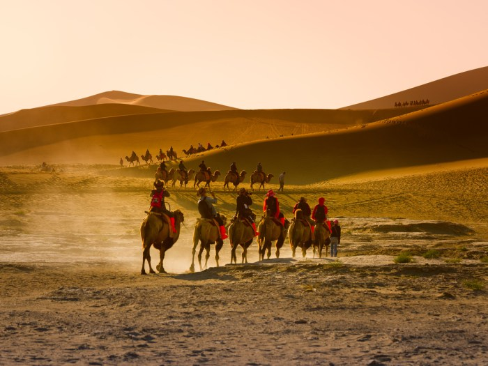 silk road tourism, cheap tour packages silk road, direct flights to china, silk road trip
