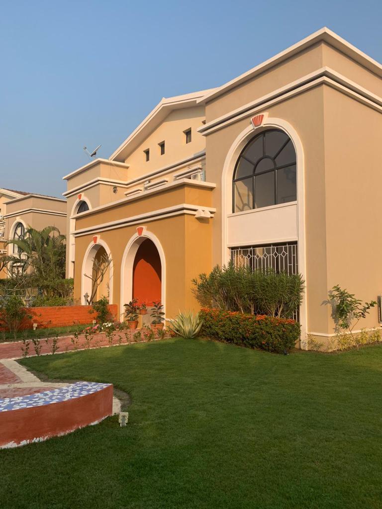 bungalow in raichak
