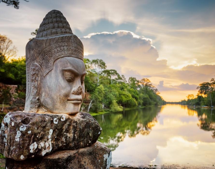 Angkor_Thom-_Siem_Reap.jpg