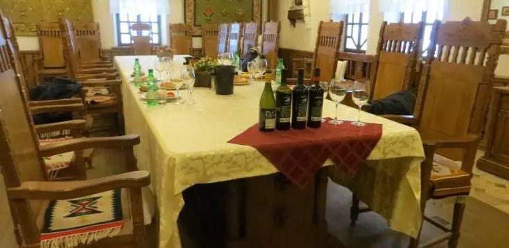 Meniu, vin și sală de degustare la Cricova, Moldova