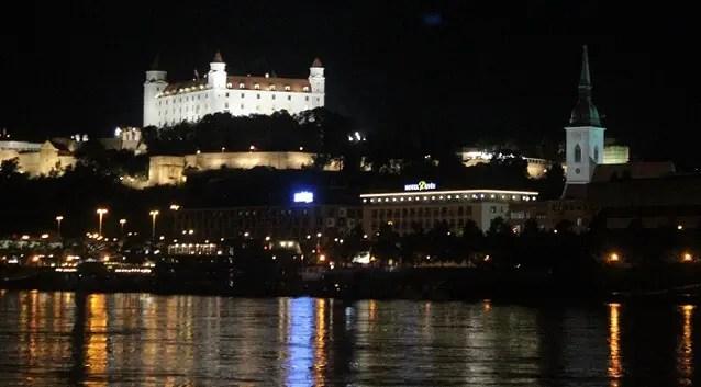 castle bratislava view night