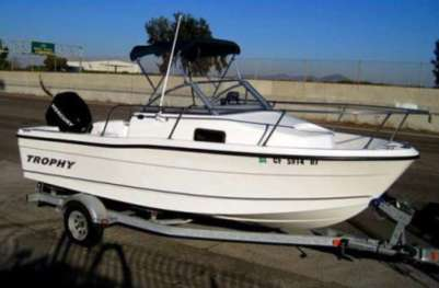 1802 Walkabout Trophy boat for hire from SA Boat Hire Adelaide