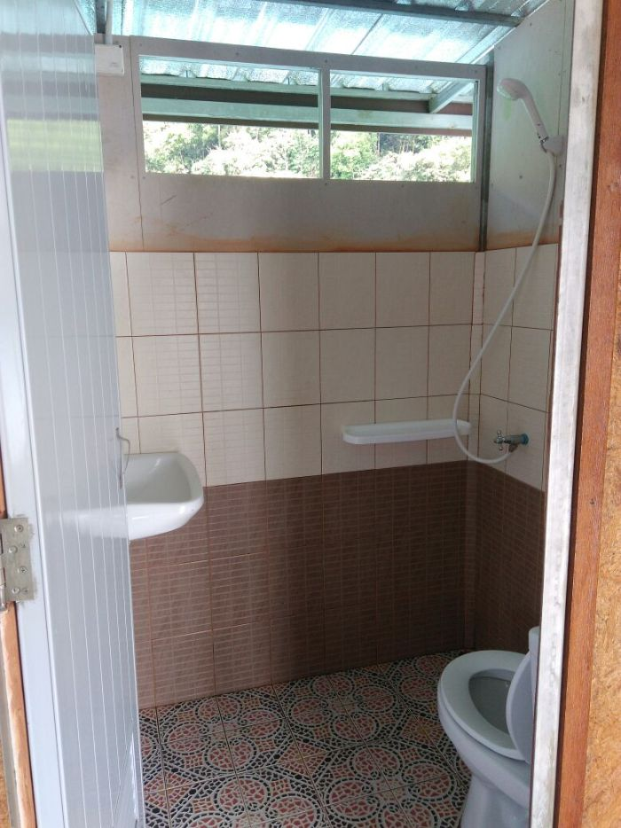 Private bathroom inside the lake house