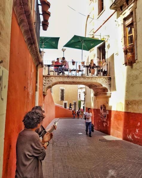 balcony_restaurant_guanajuato_mexico_stanito1