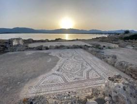 Mosaico nell'area archeologica di Nora
