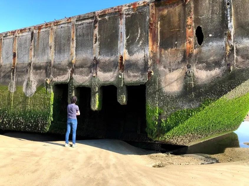 resti del porto Winston ad Arromanches
