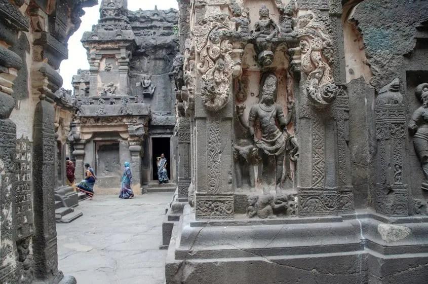 Ellora statua della dea Shiva