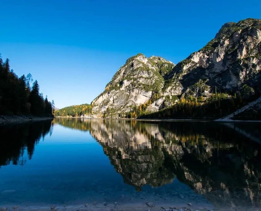 lago braies riflesso