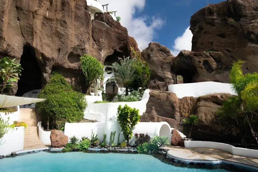 Interno Lagomar con le piscine e i tunnel