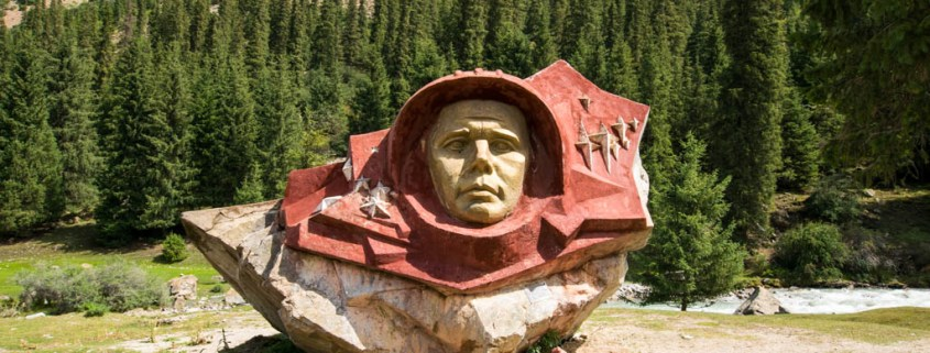 monumento a Yuri Gagarin in Kirghizistan