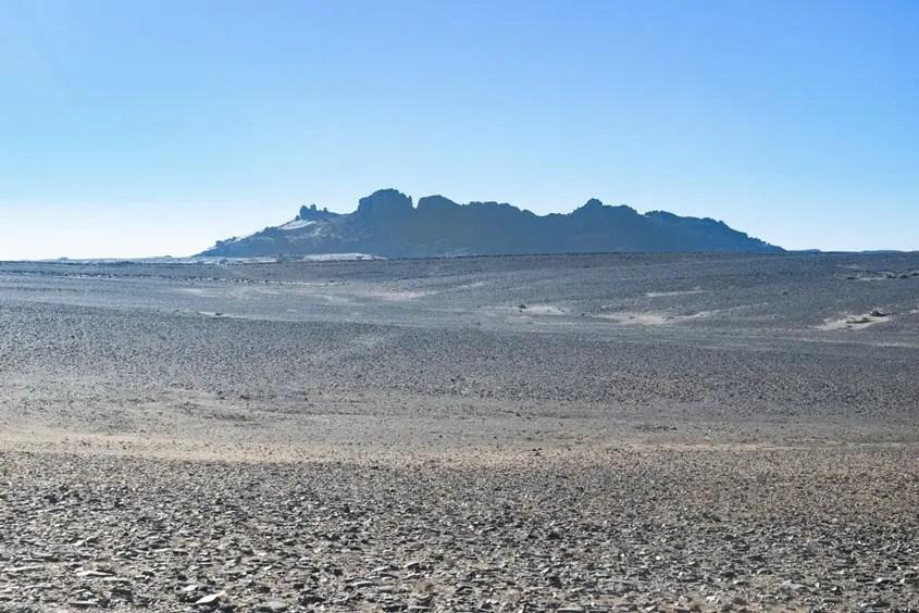 vulcano nel deserto incontrato durante il tour del Marocco in 4x4