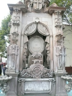 In the center of town are the tombs of four of the founders of Zacatecas.